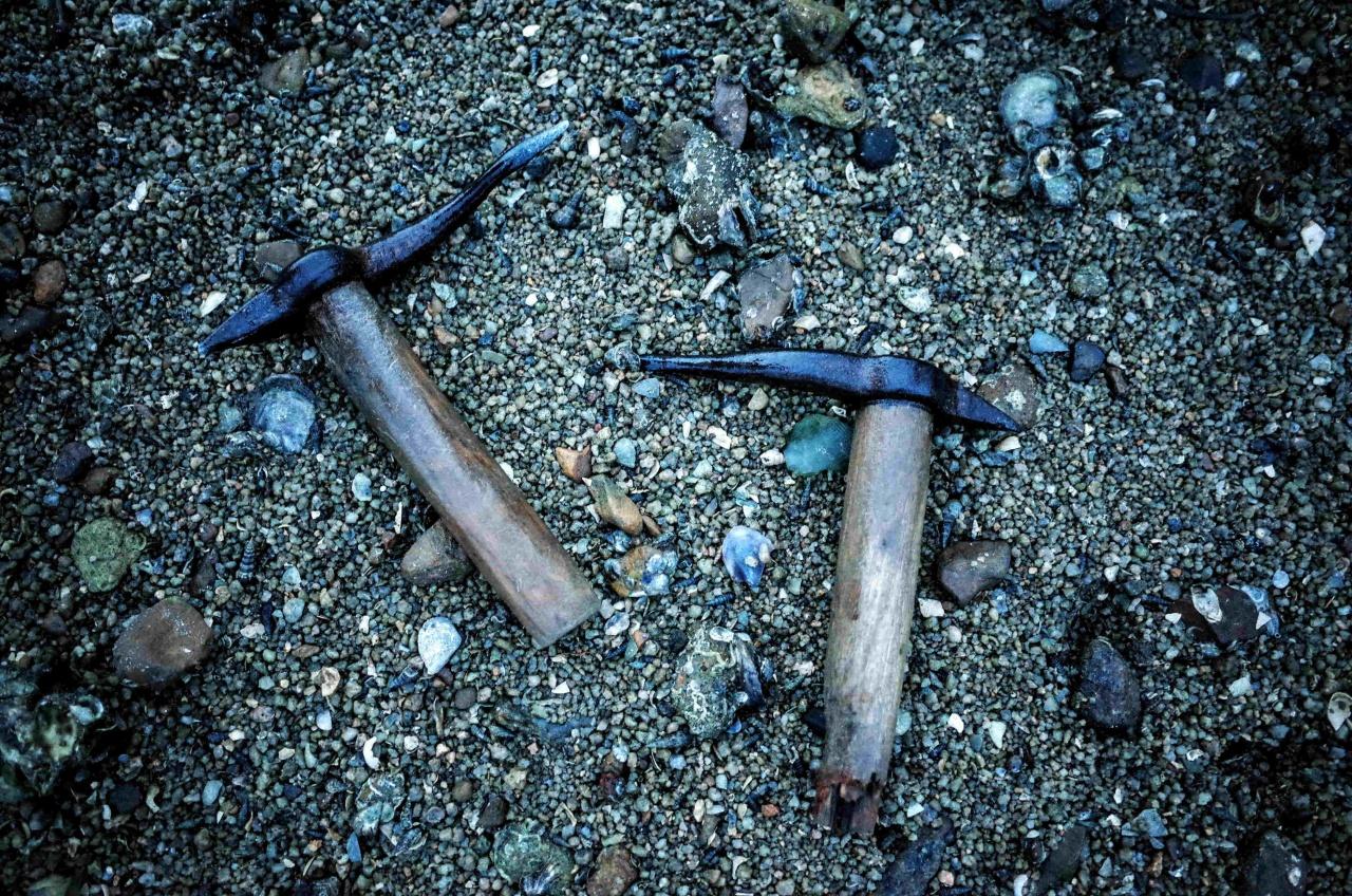 傳統採蠔的工具。