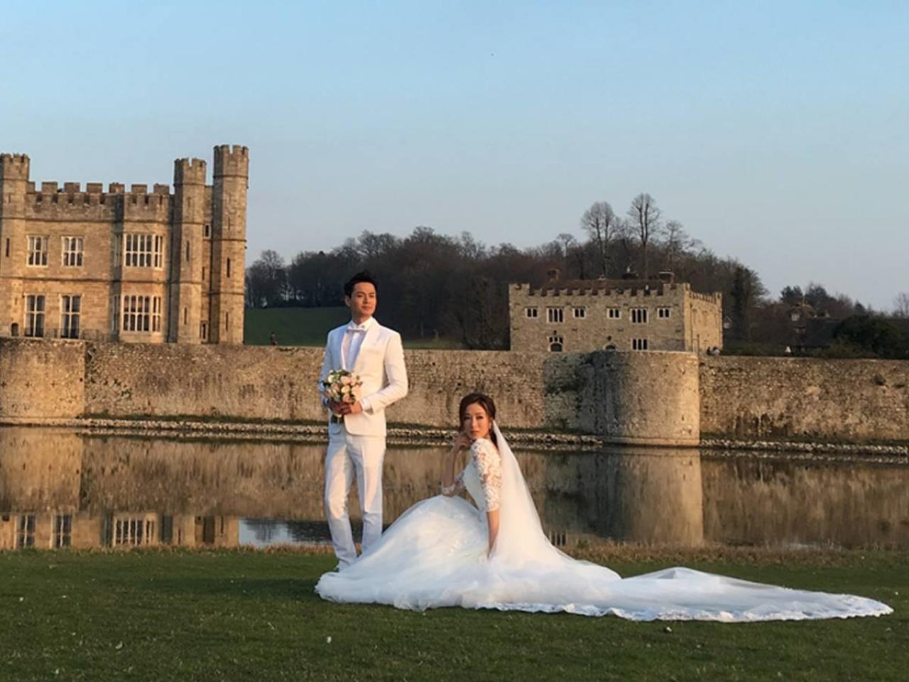 楊怡與羅仲謙的婚禮比鍾嘉欣還要低調,二人在英國肯特郡的利茲普城堡註冊,未有邀請朋友。