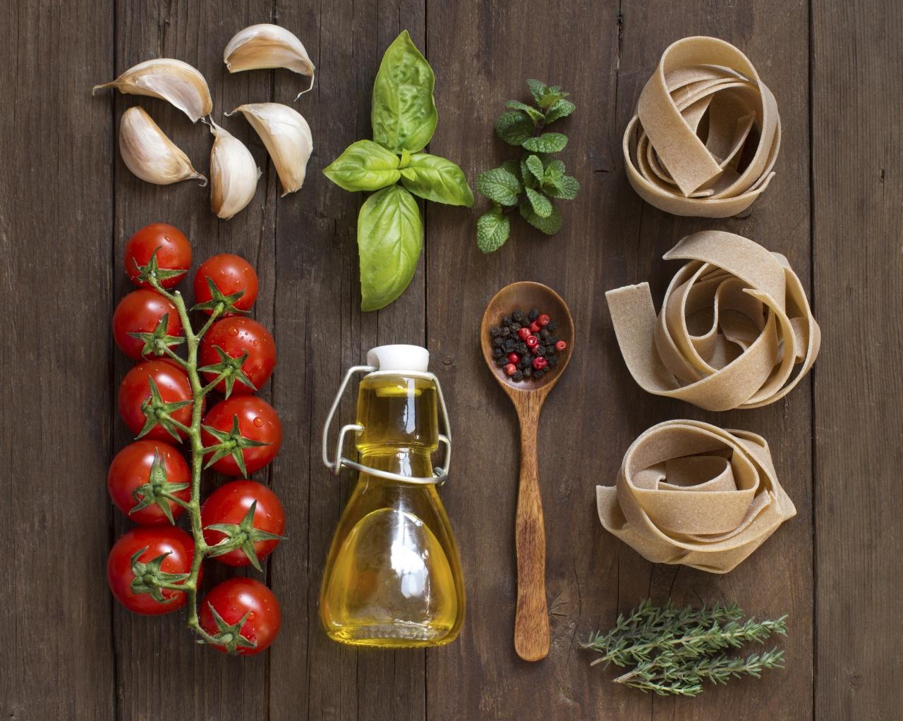 意粉是意大利地中海飲食不可或缺的主食,適量的意粉伴大量蔬菜,不會致肥,反而可改善BMI、腰圍及腰臀比例。(iStock)