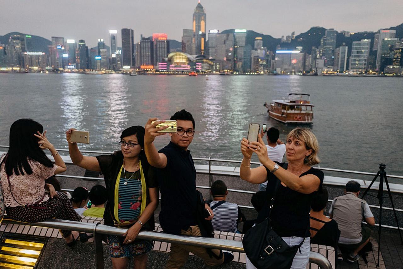 萬事達卡(MasterCard)公布2016年全球最佳旅遊目的地城市排名,香港跌出10大,排第十一位,預期今年訪港過夜旅客人次為837萬。(Getty Images)