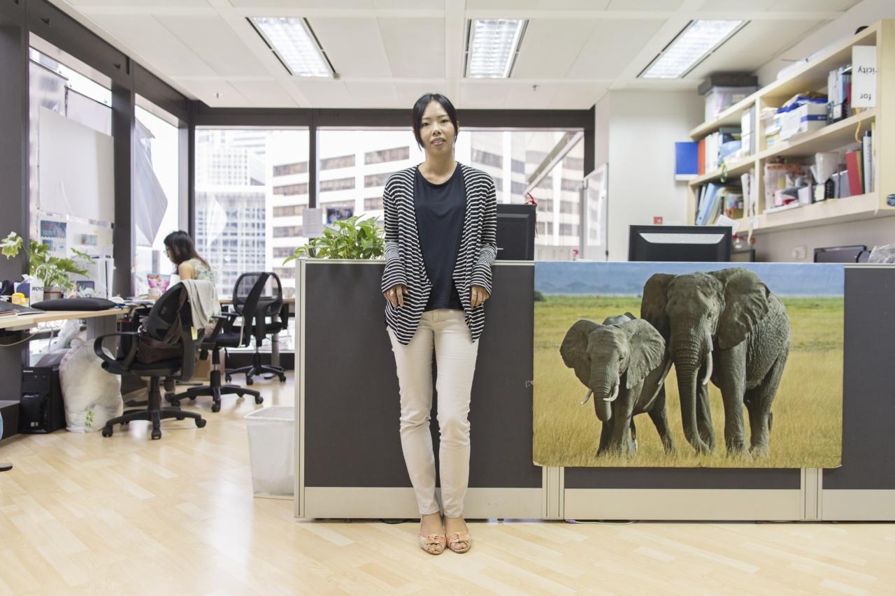 周婉蘋(Apple)投身環境保育工作,曾於綠色和平工作超過十年,現為香港護鯊會幹事。(梁鵬威攝)
