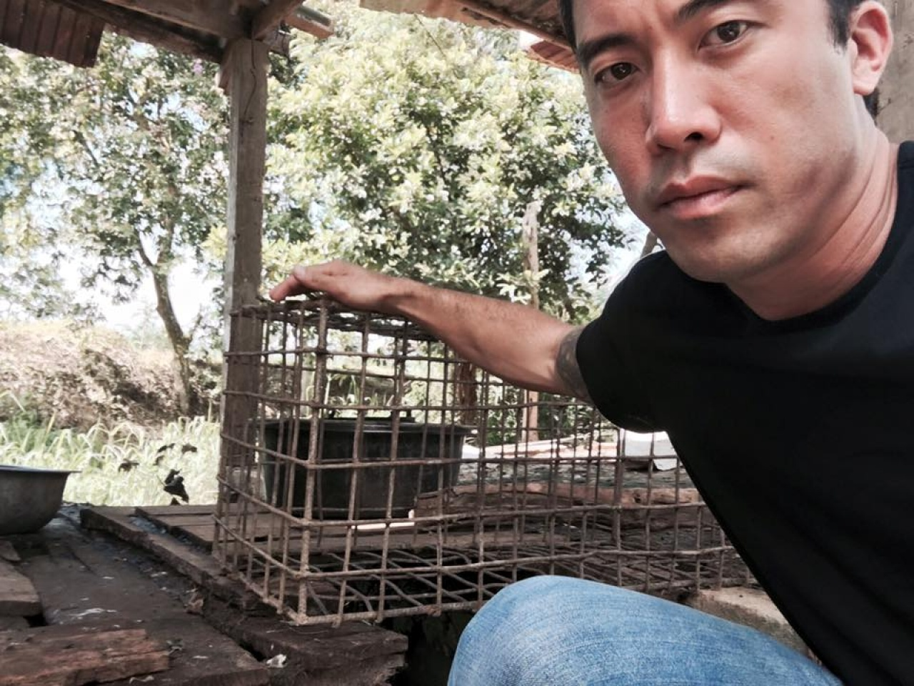 Marc Ching曾上載多張於亞洲拯救狗隻的相片到社交網站。(The Animal Hope & Wellness Foundation FB圖片)