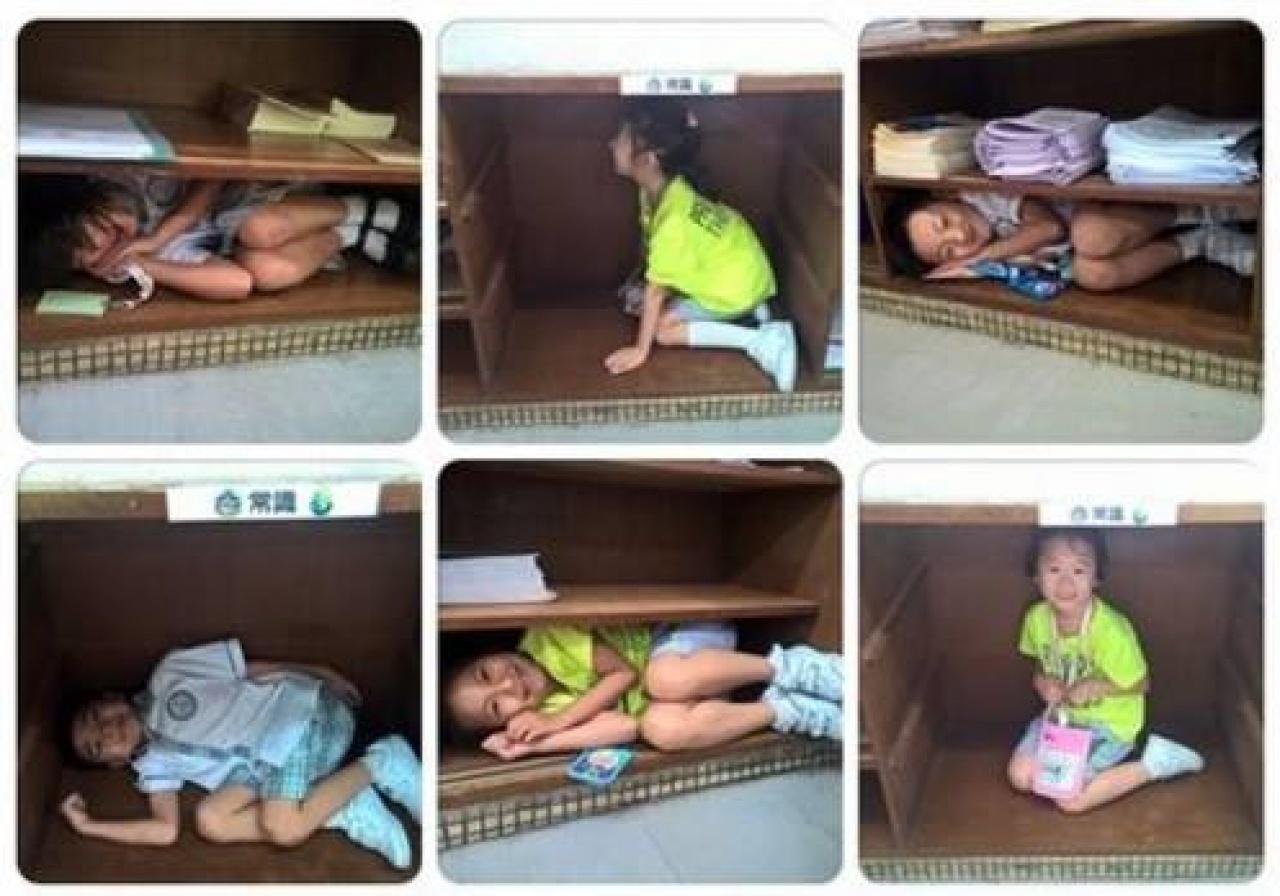 小朋友以書櫃充當貓屋,代入貓的角色體驗貓屋。(Dreamstarter網頁)